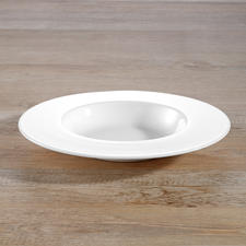 Soup plates from dinnerware set