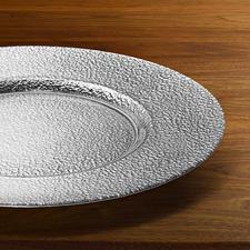 Elk bord is met de hand gemaakt – met een unieke structuur en metallic-effect.