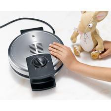 Door een ingebouwde ventilator blijft de bovenkant van de behuizing (Cromargan®) koel: u loopt geen risico om de vingers te verbranden.