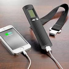 Praktisch onderweg: met de geïntegreerde accu kunt u uw smartphone opladen.