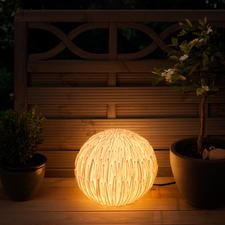 Chrysant-lamp - In Azië een gelukssymbool. In uw tuin een prachtige, rustieke lamp.
