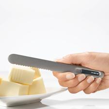 Bij aanraking wordt het mes warm tot aan de punt van het gekartelde lemmet.