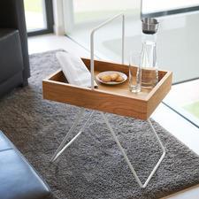 Dientafeltje Emil - Trendy retro-design, onderscheiden als 'FORM 2017'. Van hoogwaardig eikenhout en aluminium.