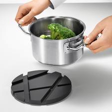 Slim: na het koken te gebruiken als een stijlvolle onderzetter voor de pan.