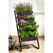 Plantentrap - Weelderig groen, bloemenpracht en een rijke oogst: ruimtebesparend verdeeld over vijf etages.