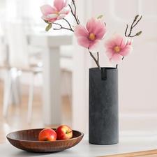 De slanke vaas is ook ideaal voor lange bloemen.