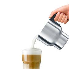 In ca. 2:24 min. is bijv. 200 ml melk (9 °C) op 60-65 °C verwarmd en luchtig opgeklopt.