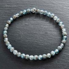 Collier van Muranoglaskralen - Venetiaanse pracht: glanzend witgoud, ingesloten in luxueuze kralen van Muranoglas.
