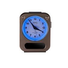 Door een druk op de knop rondom blauw verlicht.