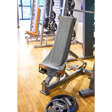 Sporthanddoek met magneet - Zo blijft hij perfect zitten! Ideaal voor veel fitnessapparaten.