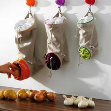 Groentezakken, set van 3 - De ideale opslagplaats voor aardappelen, uien, knoflook: beschermd tegen licht, geventileerd en binnen handbereik.