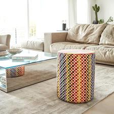 Missoni hocker - Een explosie van vrolijke kleuren met mooi gecombineerde strepen en blokjes. Altijd een exclusieve blikvanger.