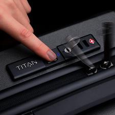 Deze hoogwaardige trolleys zijn alleen te openen met uw vingerafdruk– geen onbevoegde kan uw koffer openen.