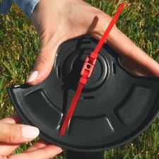 Werkt met gewone kabelbinders (in plaats van een storingsgevoelige draadspoel).