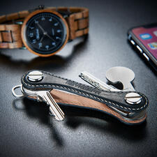 Sleutelorganizer - De geniale sleutelorganizer: even compact, slank en handig als een zakmes. Voor maximaal 12 sleutels compact opgeborgen.