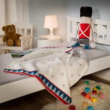 Perfect voor de kinderen: de kleinere pop 'Trommelaar' met zachte deken in kinderformaat.
