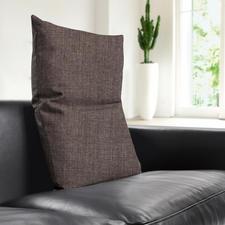 Perfect bij de moderne zitmeubelen: de grof geweven bekledingen in de woonkleuren lichtgrijs, donkergrijs en bruin.