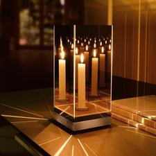 Geheimzinnig spiegellicht - Dit elegante spiegelobject verandert in een geheimzinnige zee van licht.