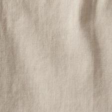 Dit koele, soepelvallende linnen in de kleur oatmeal past overal bij– wat u ook uit uw garderobe pakt.
