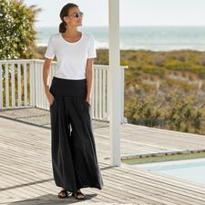 Elisa F. Ibiza-broekrok - De echte Ibiza-broek: gisteren nog een klassieker in hippiestijl. Vandaag de ster van de widelegtrend.