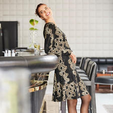 Jersey-snake-shirt en -rok - Modieuze print. Elegante en soepelvallende kwaliteit. Strijkvrij en comfortabel als een T-shirt.