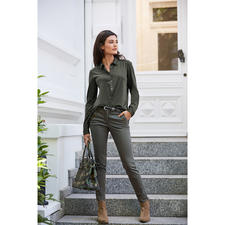 vanLaack Pleated Jersey Blouse - Vrouwelijker en eleganter dan de meeste andere exemplaren: jersey-overhemdblouse met geplisseerde achterkant.