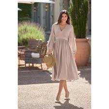 SLY010 zijden jurk met prinsessennaden - Vandaag trendstuk, morgen favoriet kledingstuk voor diverse gelegenheden. Van SLY010.
