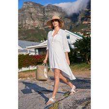 Linnen tuniek van Kultfrau - Tuniek, strandjurk, trend-piece en klassieker tegelijk. De witte linnen tuniek van het Duitse label Kultfrau.