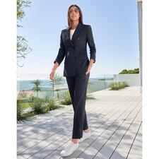 Seventy blauwe kostuum-broek of blazer - Modieuze make-over van het klassieke donkerblauwe broekpak. Van Seventy, Italië.