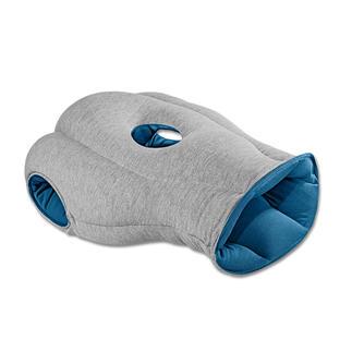 Ostrich Pillow Beschermt tegen licht en geluid. Ideaal voor een kort dutje.