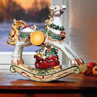 Nostalgie-hobbelpaard Betoverende decoratie. Schattige herinnering aan de kinderjaren. Rijkelijk versierd en handbeschilderd.