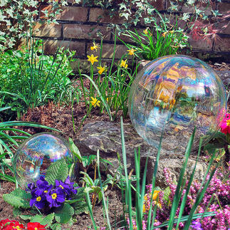 Zeepbel-bol Prachtige zeepbellen die nooit kapot knappen – van iriserend glas. Voor binnen en buiten.