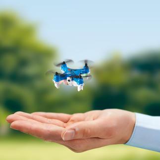 Minicopter met camera Een van de kleinste camera-drones ter wereld. Een echte stuntvlieger, die zelfs 360°-moves kan maken.