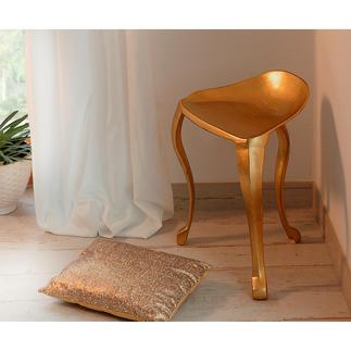 Kruk met 3 poten Elegant goudglanzend, lijkt uit een barok slotte komen – maar is van modern gietaluminium.