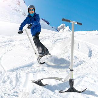Stiga® Snow Kick Flex Net als op een gewone step glijdt u staand van de ski- of rodelpiste af.