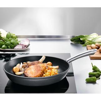 Lichte gietijzeren pannen Met alle uitstekende bakeigenschappen van ijzersterk gietijzer, maar dan minder zwaar en voor een aantrekkelijke prijs.