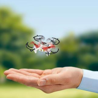 Minicopter met camera Maar toch gaat het hier om een volwaardige quadrocopter met radiografische 4-kanaals-besturing en een on-boardcamera.