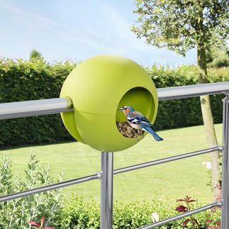 Birdball-vogelvoederhuisje voor balustrade Slim design van kunststof: u hoeft hem alleen maar ergens op te zetten en te vullen.
