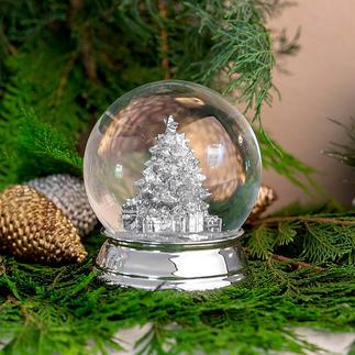 Verzilverde sneeuwbol Door te schudden wordt het elke keer een 'witte kerst'