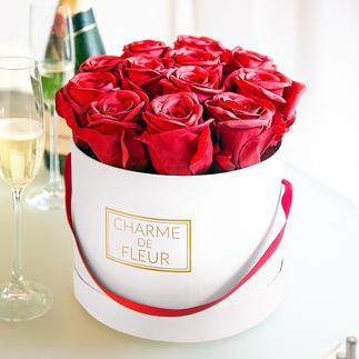'Charme de Fleur' cadeaudoos met rozen Twaalf natuurgetrouw nagemaakte rode rozen in een stijlvolle doos.