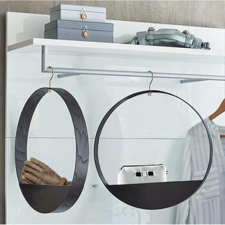 Hook Shelf Fantastisch Fins design: houten kledinghanger met handig vakje.
