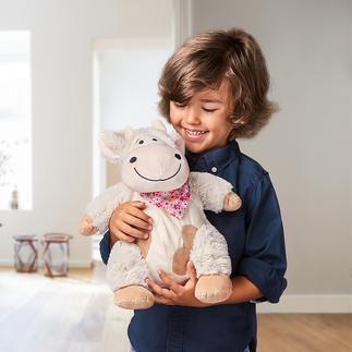 Knuffelkoe met dennengeur Met een fijne dennengeur waardoor uw kind heerlijk kan ontspannen – net als in de frisse Tiroolse berglucht.