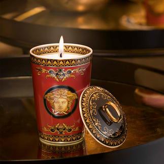 Versace geurkaars Luxueus fluïdum met het karakteristieke, goudglanzende Medusa-motief. Een waar genot voor de zintuigen.