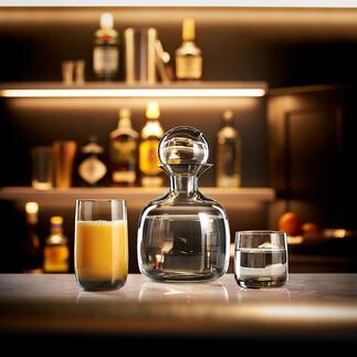 ASA designcollectie Handgeblazen karaf met bijpassende glazen van hoogwaardig gekleurd glas. Ontwerp en vakmanschap van ASA Selection, Duitsland.