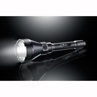 5.000lumen power-zaklamp Lichtrevolutie in compact formaat: 5.000 lumen lichtstroom, 1,8 km bundelbereik. Exclusief bij Pro-Idee.