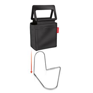 Roadbag Veel praktischer. En veiliger: de stabiele tas voor de voetruimte in de auto.