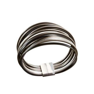 Leren armband metaaluitstraling De uitstraling van metaal.Maar licht,flexibel & soepel.De met de hand vervaardigde leren armband uit Frankrijk