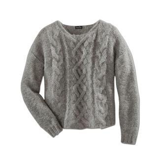 Grofgebreide trui met alpaca 'Slim Line' Zeldzame creatie: de smalle, lichte uitvoering van de modieuze grofgebreide trui.