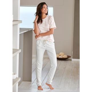 HFor gestreept shirt of sweatbroek Heerlijk comfortabel. Trendy model waarmee u ook buiten gezien mag worden en dat aantrekkelijk geprijsd is.