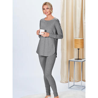 Cornelie Weiss lang shirt of sweatpants Lang shirt en sweatpants in casual clean chic-stijl. Van Cornelie Weiss, Düsseldorf.